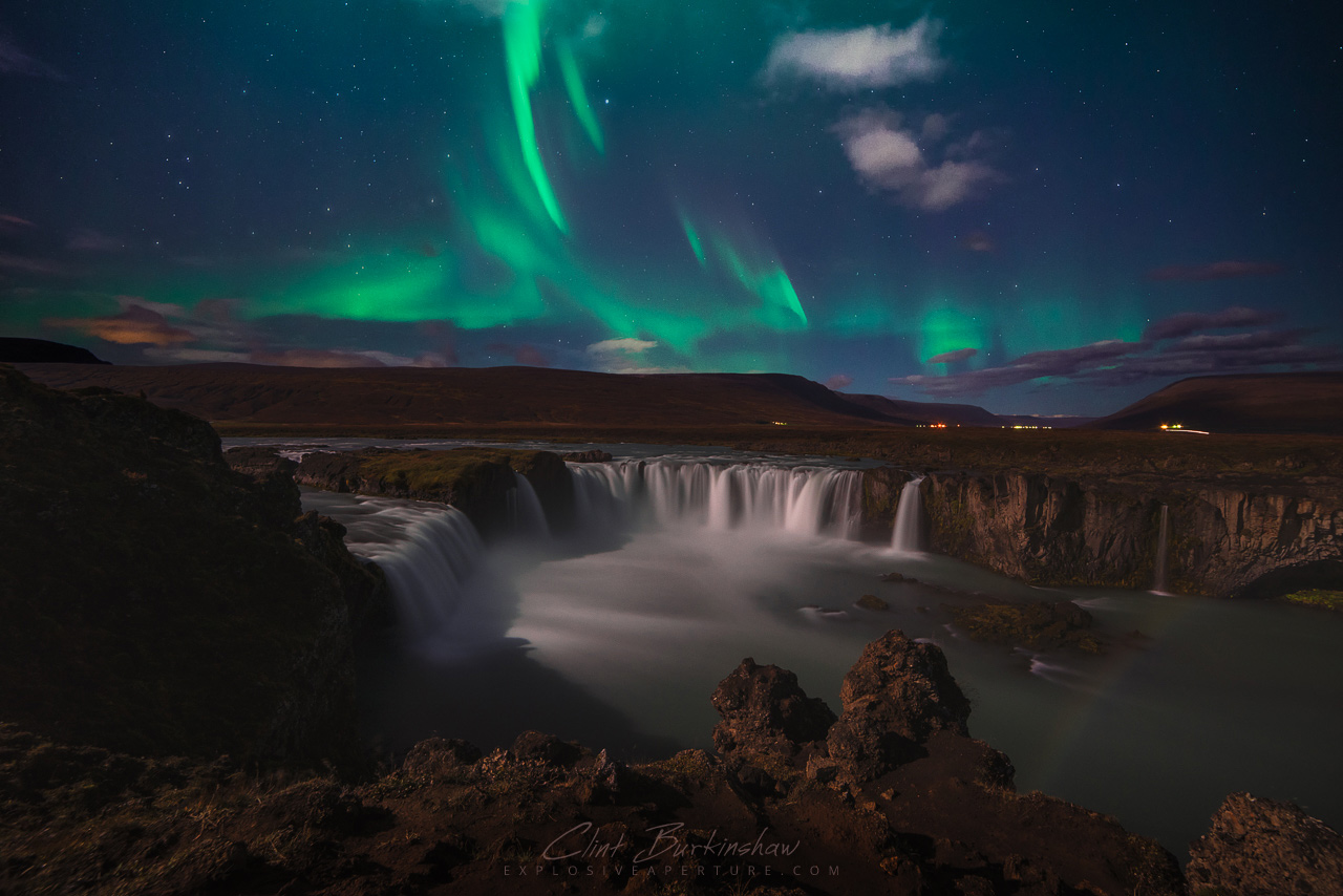 Northern lights above Goðafoss